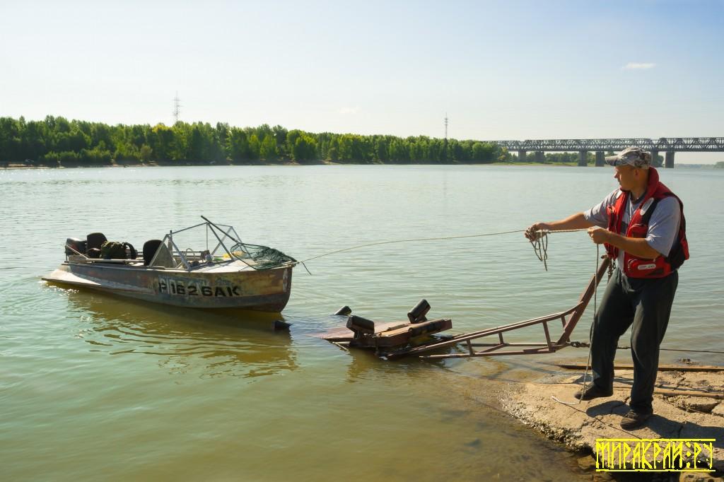 рыбалка, мотолодка
